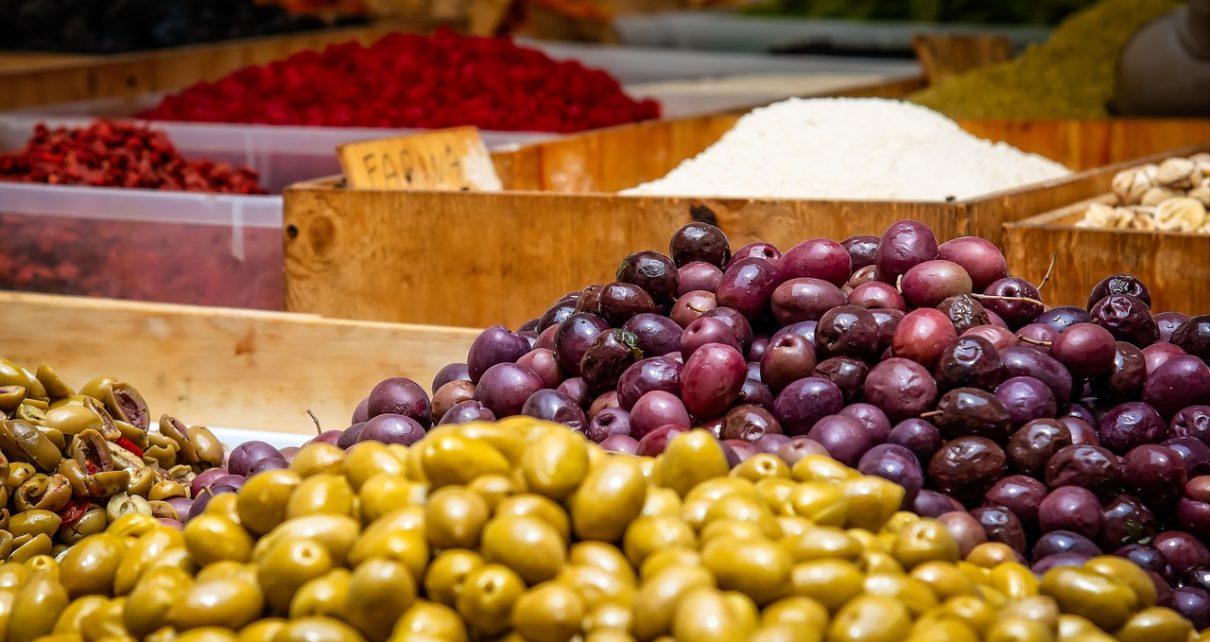 Tasting Olives
